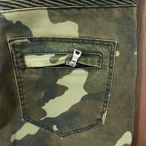 Balmain Jeans - Camo balmain pants